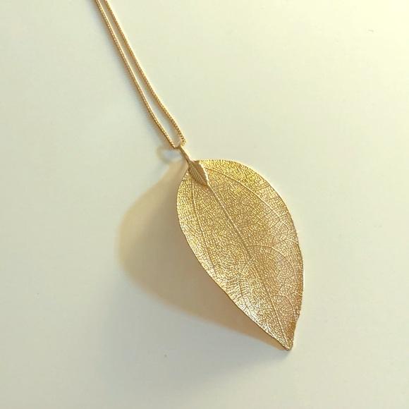 Long gold leaf necklace